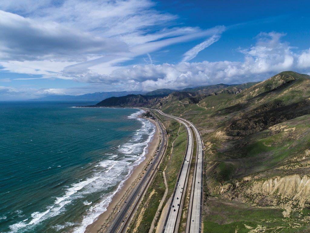 S8C_Aerial 101 Freeway_03 Opening spread